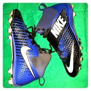 Nike Lunarbeast Pro Football Cleats
